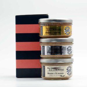 Coffret Saumon : Mousse de St Jacques coraillées au whisky et langoustines au pineau blanc, rillettes de sardine à l'escabèche